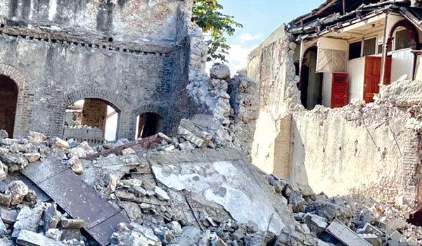 Haiti Earthquake - Keep Praying. Send Help.